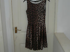 LADIES KNEE LENGTH DRESS IN SIZE 8, BY MISO.