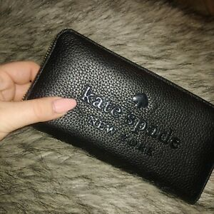 NEW Kate Spade Black Large Continental Peebled Leather Zip Wallet Sienne Logo