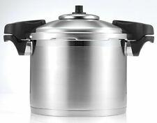 SCANPAN 18302 24cm Stainless Steel Pressure Cooker - 8L