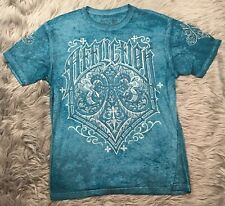 Affliction Mens T-shirt Sz XLBlue Graphic Tee Black Spell Out Crest Sublimation