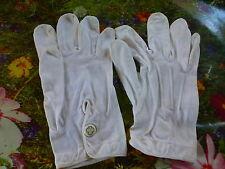 beaux gants vintage ,blancs 6,5a 7===t. bon état  théatre,folklore ?