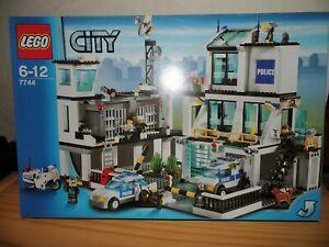 Lego City Polizeistation 7744