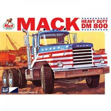 MPC 1/25 Mack DM800 Semi-Tractor MPC899