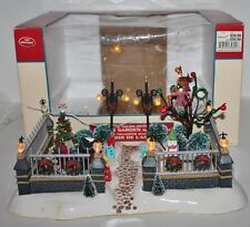 Lemax Lighted Village Collection Angel's Garden Front Yard  - 2003 - Lighted