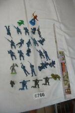 6766. 27 Stück alte LEYLA Plastik Figuren Figur Soldaten Indianer