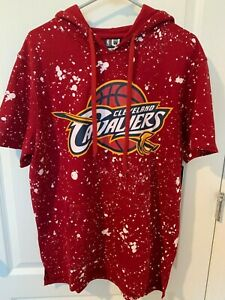 NEW Cleveland Cavaliers Red & White Short Sleeve Hoodie Size Large