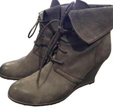 Womens TESORI Gray leather  wedge ankle booties sz.6.5 M