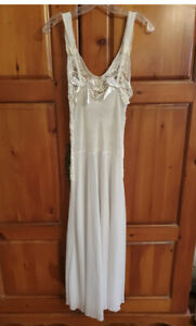 Victoria Secret Long Nightgown Ivory Med.? See Measurements clean