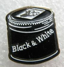 Pin's Alcool Bouchon de Whisky BLACK & WHITE avec 2 chien #772