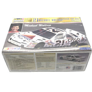Revell 21 Michael Waltrip Citgo Top Dog Thunderbird Car NASCAR Model Kit Limited
