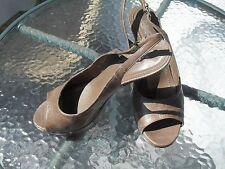 YVES SAINT LAURENT Womens Eel Skin High-Heel Platform Peep-Toe Pump size37,5 - 7