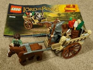 Lego LOTR Gandalf Arrives 9469 Complete Set All Minifigures & Instructions