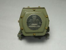Allen Bradley 808-G1 Speed Switch 15-60RPM 600VAC 5/8In Shaft ! WOW !