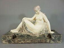 Große Art Deco Majolika Skulptur weiblicher Akt, Länge 52 cm