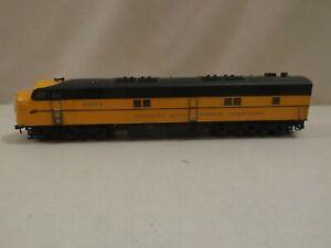 HO Proto 2000 Chicago & North Western diesel engine, #5010B