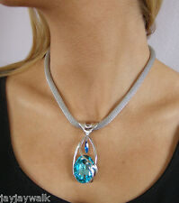 made with qSWAROVSKI CRYSTAL ELEMENTS TURQUOISE PENDANT AND HOLLOW MESH CHAIN