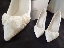 NIB Menbur Lucia IVORY Lace Flower Pointed Heels sz 6 US EUR 36 Gorgeous READ