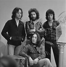 10CC PHOTO 1974  GEM IMAGE IN BLACK WHITE IMAGE SET WITHIN WHITE BORDER 2 FRAME