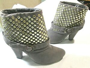 """LILIANA Gold Studded Ankle Strap Ankle Boots 3.5"""" Heel Sz 8"""