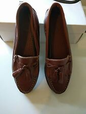 Brand New Brown Decoys Women Loafers with Tassel (Sizes 36/37)