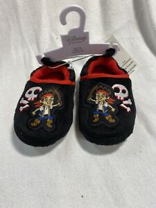 DISNEY JAKE & THE NEVERLAND PIRATES SLIPPERS MULTIPLE SIZES NEW WITH TAG