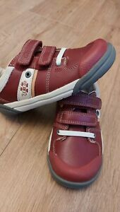 New Boys Clarks Shoes size 9G