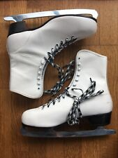 New Vintage Sear's White Figure Skates Womens Size10 with Ice Skates Boot Covers
