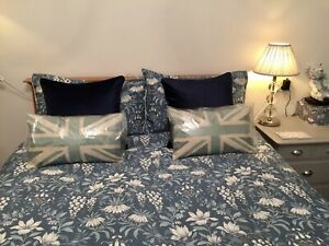 Pair Laura Ashley Nigella Velvet Midnight Blue Cushions in Immaculate Condition