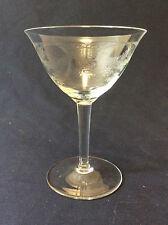 Coupe à champagne hauteur 13,2 cm  en cristal gravé de Bohême 1960
