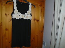 Gorgeous black hip length top, ivory raised flower detail, TOPSHOP, size 8, NEW