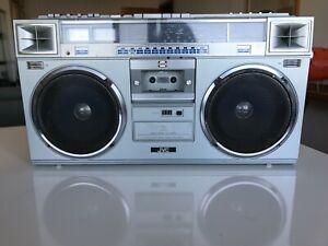 JVC RC-M70W Cassette/Radio Boombox