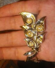 VINTAGE Lillies Gold BROOCH Pearls 1970s-1980s - NZ Estate