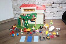 Playmobil Freizeit Ferienhaus mit Figuren und Zubehör