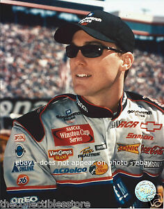 KEVIN HARVICK GM GOODWRENCH PLUS NASCAR WINSTON CUP SERIES 8 X 10 PHOTO #04