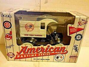 ERTL New York Yankees Ford 1907 Model T American Pastime Series