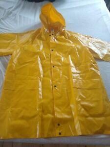 Vintage PVC Regenmantel gelb wie Gummi Größe L ungetragen  glänzend Friesennerz
