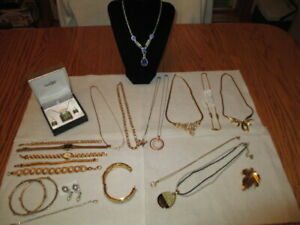 LOT 22 piece Mix JEWERLY COSTUME NECKLACE WATCHES BRACELET/ SOME 925 ITALY
