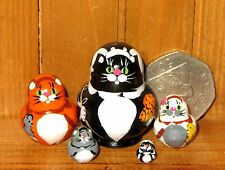Russian tiny Black Ginger White Cat nesting 5 dolls Cats hand painted Miniature