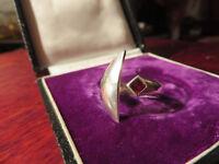 Schöner 925 Silber Ring Groß Ausgefallenes Design Modern Granat Halbmond Vintage