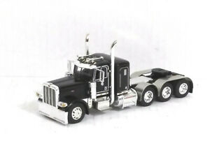 1/64 DCP /First Gear Peterbilt 389 Tri-Axle Tractor Cab (Gloss Black) O/O