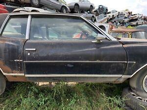 1980 Chevy Monte Carlo PASSENGER DOOR MANUAL RH RIGHT Black