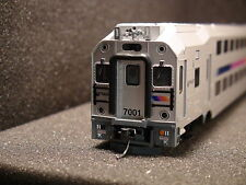 HO ATLAS #10004112 MULTI-LEVEL CAB CAR MODERN COMMUTER TRAIN ROAD 7045