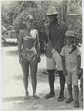 Italia, Calcio - Giocatore del Napoli, Cane' con il nipote e una admiratric