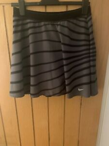 Nike Tennis Skirt / Skort - Size Large