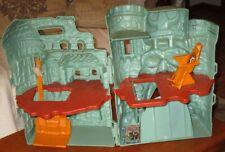HE-MAN CASTLE GRAYSKULL MASTERS OF THE UNIVERSE W ELEVATOR POLE, THRONE CHAIR +