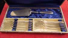 Service a dessert en métal argenté SFAM modèle Art Déco en écrin, beau brillant