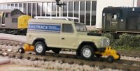 Land Rover Defender 110 Raltrack Rail Road Railer Repair 1:76 OO/00 Gauge Model