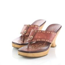 Fioni Rust Brown Leather Etched Heart Flip Flop Sandals Heels Shoes Women 8.5