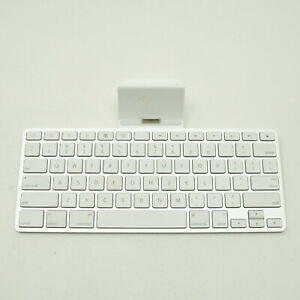 Apple iPad First Gen Wired Keyboard/Stand - A1359 MC533LL/A