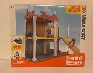 Fortnite Battle Royale Collection Mega Fort Display Set w/2 Exclusive Figures